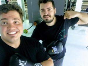 Antrenament de anduranță la sacul de box
